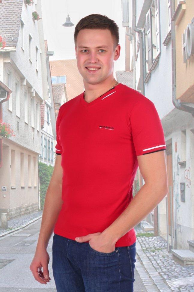 Футболка мужская Карл (красная)Футболки<br><br>Цвет: Красный; Размер RU: 46, 48, 50, 52, 54;